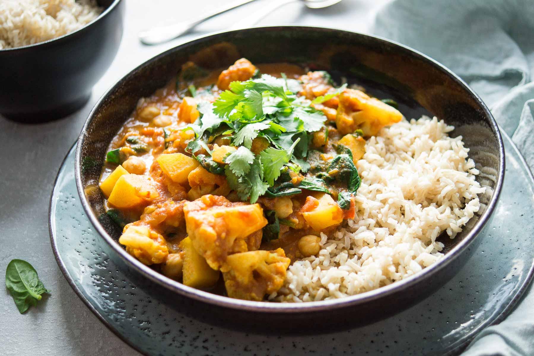 Blumenkohl Kartoffel Curry Rezept Elle Republic Einfach Gesund