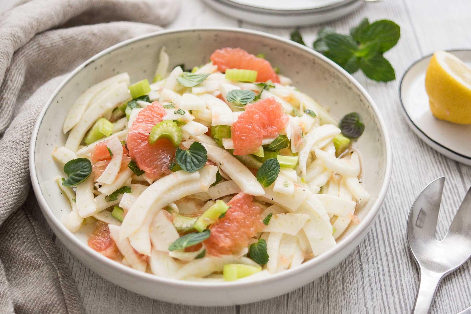 Rezept für Fenchel-Salat mit Grapefruit und Sellerie