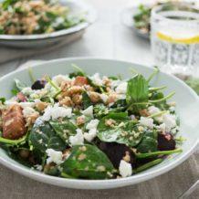 Spinatsalat mit gerösteter Rote Bete, Kichererbsen und Feta