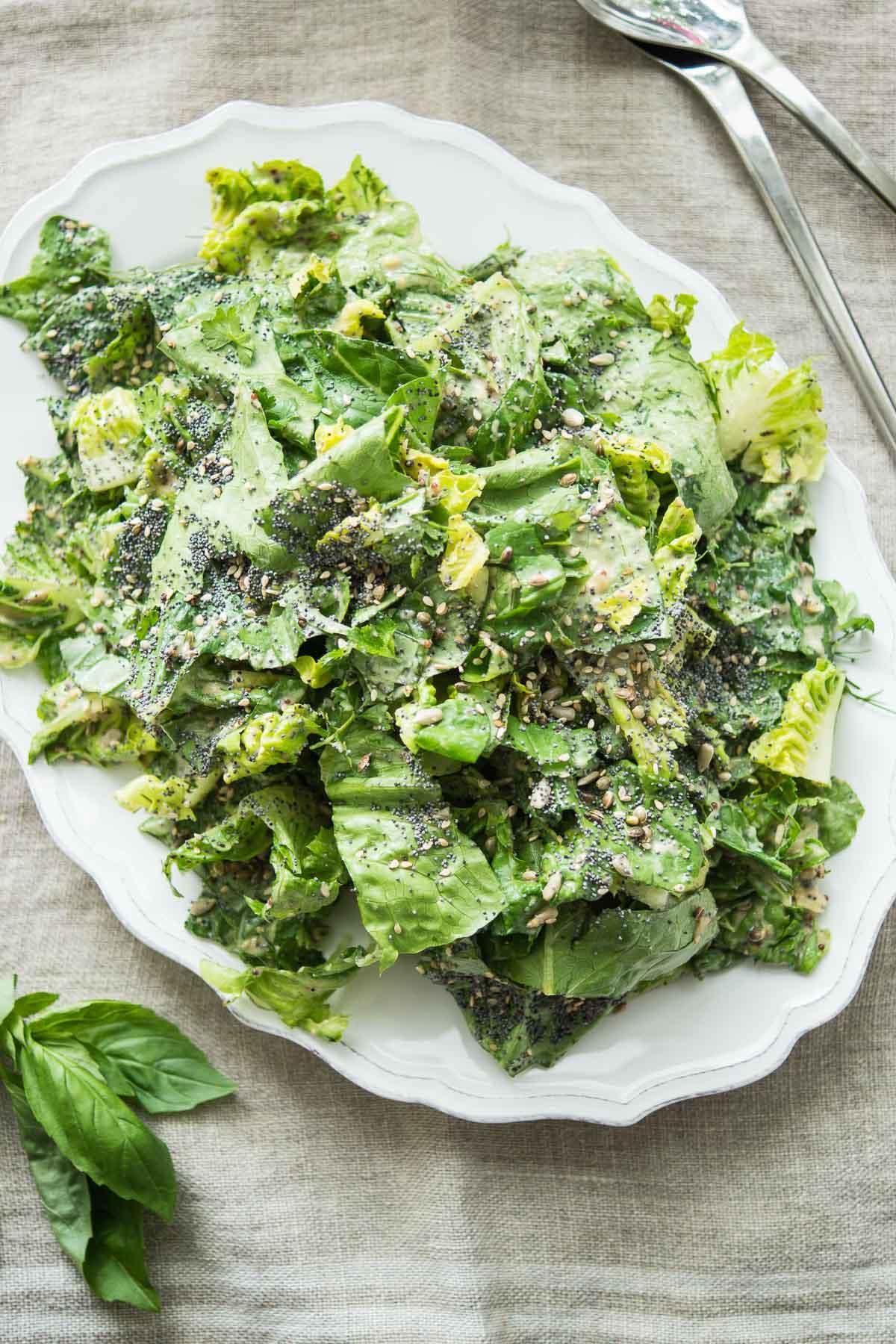 veganer caesar salad mit tahini dressing rezept elle republic. Black Bedroom Furniture Sets. Home Design Ideas