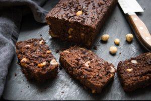 Double Chocolate Brownie Bread, Vegan Rezept für Schokoladen-Brot mit Hazelnüssen