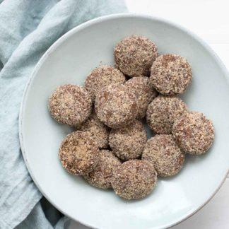 Almond-Tahini-Date Cookies, refined sugar-free, gluten-free