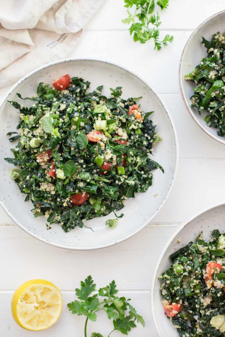 Tabouleh-Salat mit Schwarzkohl und Quinoa