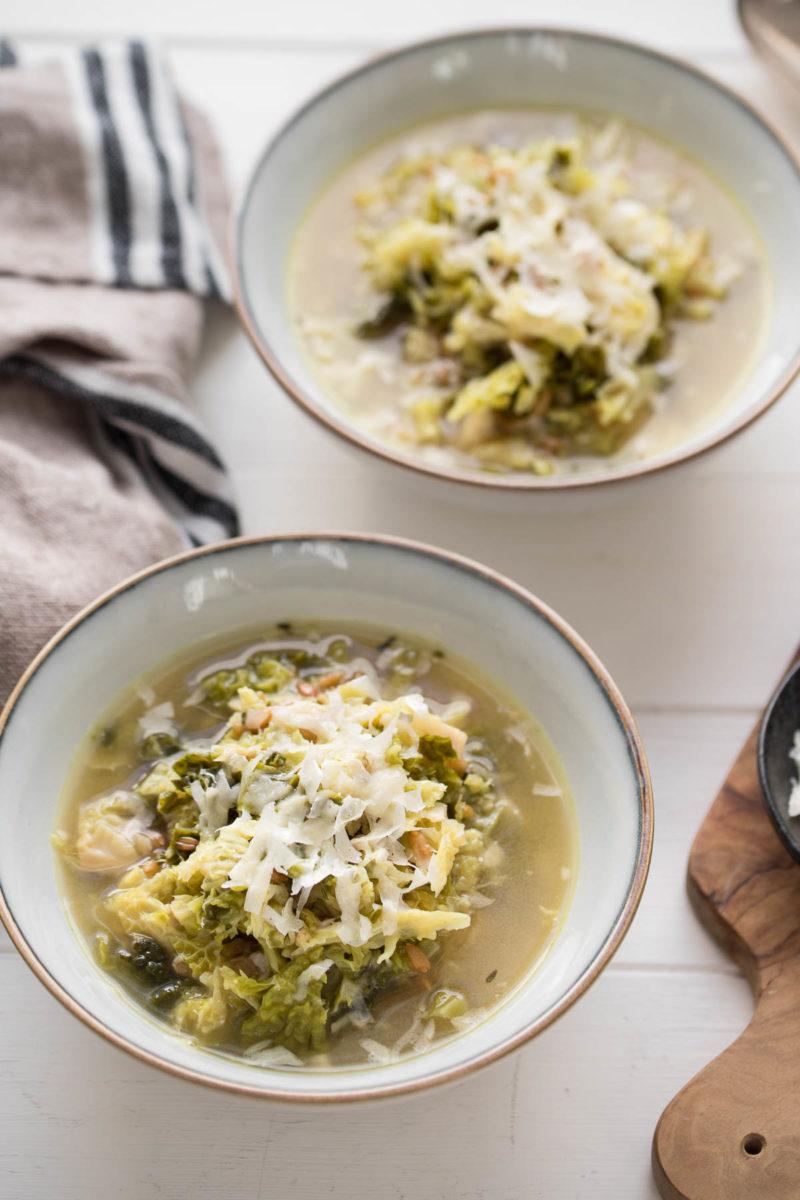 Wirsing-Suppe mit Grünkern, vegetarisch Rezept