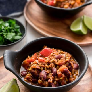 Vegetarian Chili (Chili sin Carne) with Grünkern