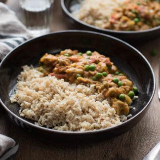 Indisches Auberginen Curry Rezept mit Erbsen (Baingan Bharta) und Basmati Reis