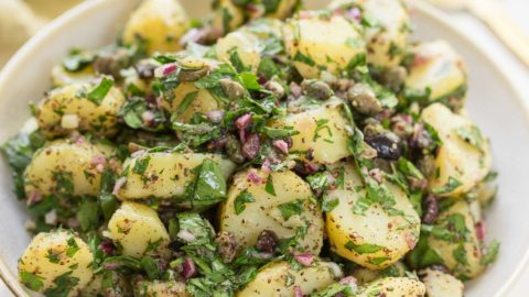 Mediterraner Kartoffelsalat mit Sumach-Dressing Rezept | Elle Republic