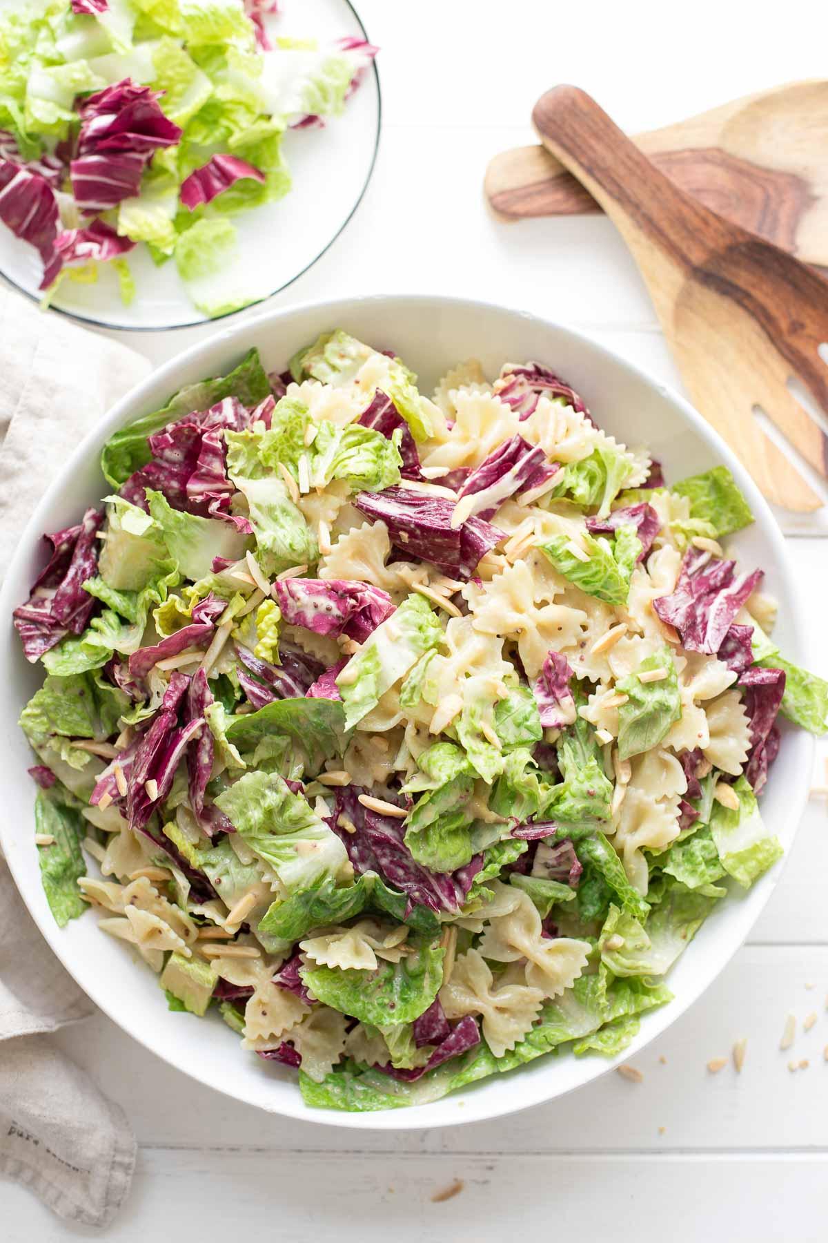 Caesar Pasta Salat with radicchio, almonds, tahini dressing (vegan)