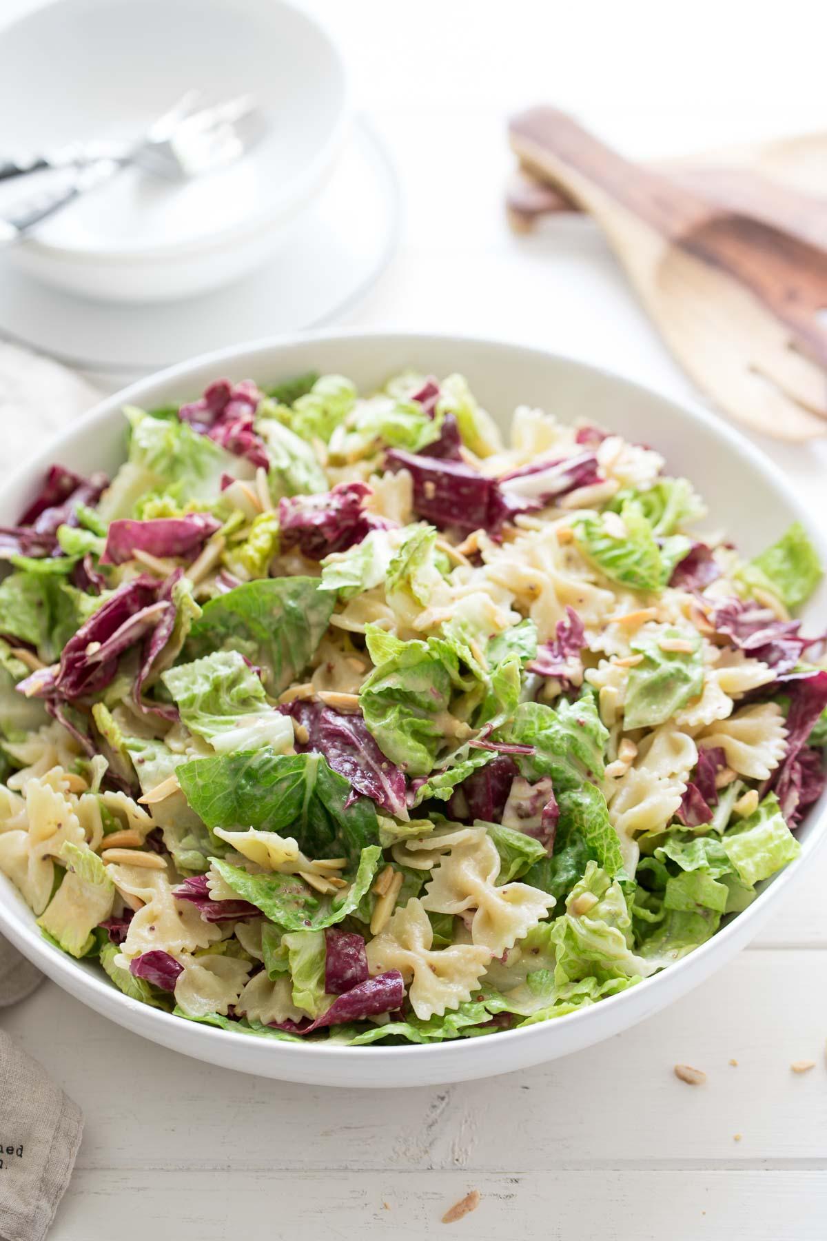 Caesar Pasta Salat with radicchio, almonds, tahini dressing (vegan)