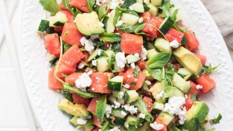 Wassermelonensalat mit Feta, Gurke & Avocado Rezept | Elle Republic