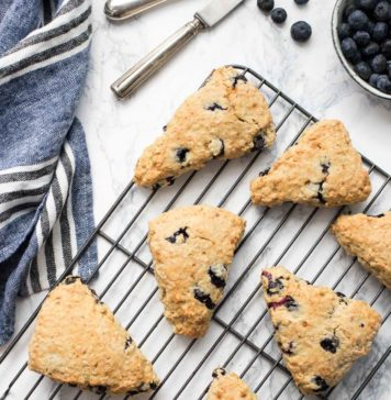 Homemade Blueberry Scones with spelt flour, rolled oats and unrefined sugar
