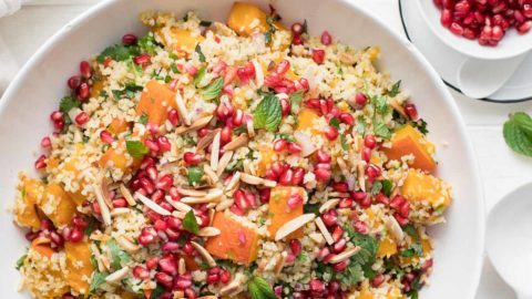 Kürbis im Ofen geröstet mit Bulgur-Salat | Rezept | Elle Republic