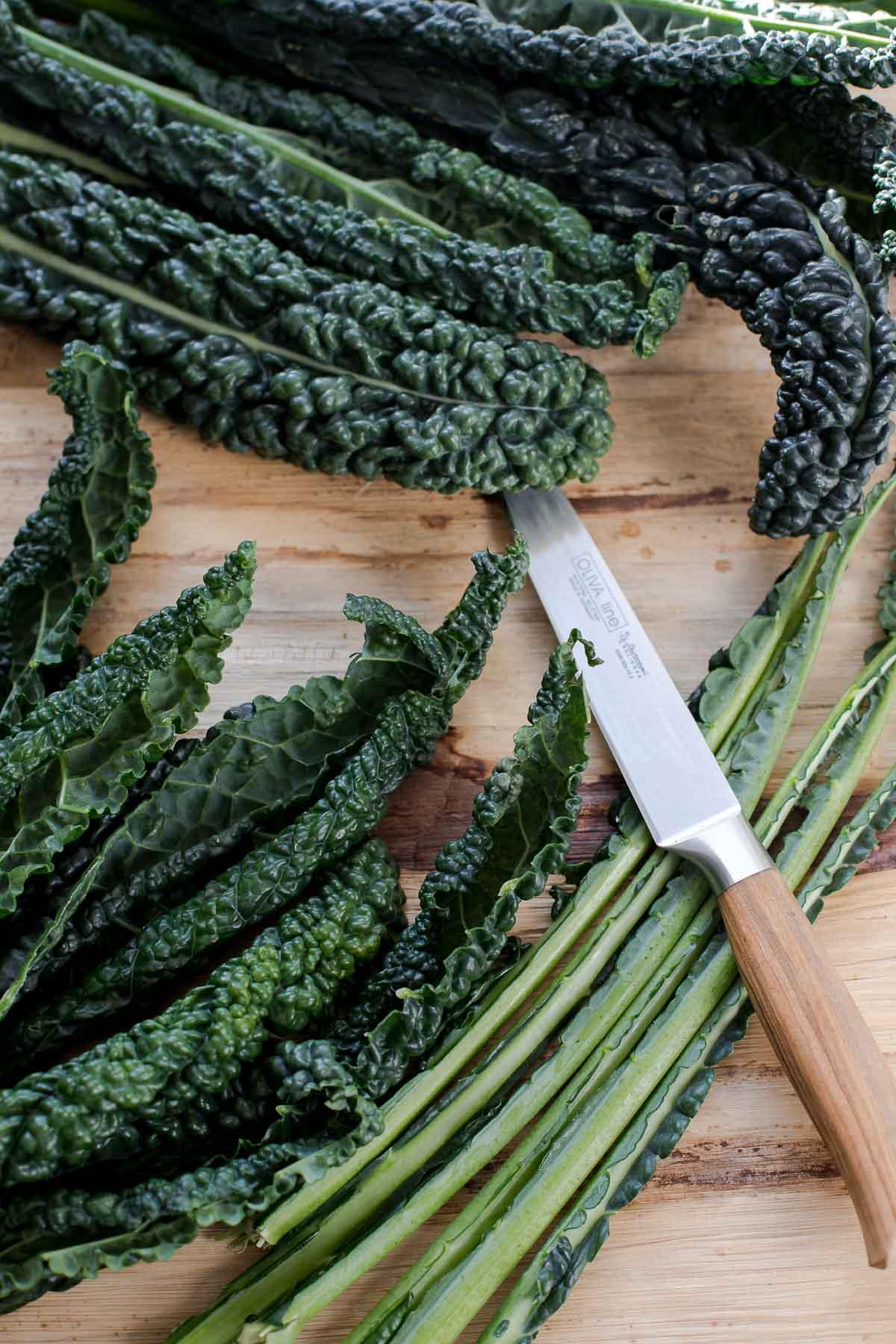 Schwarzkohl Blätter für Pesto Rezept- schnell, einfach, lecker!