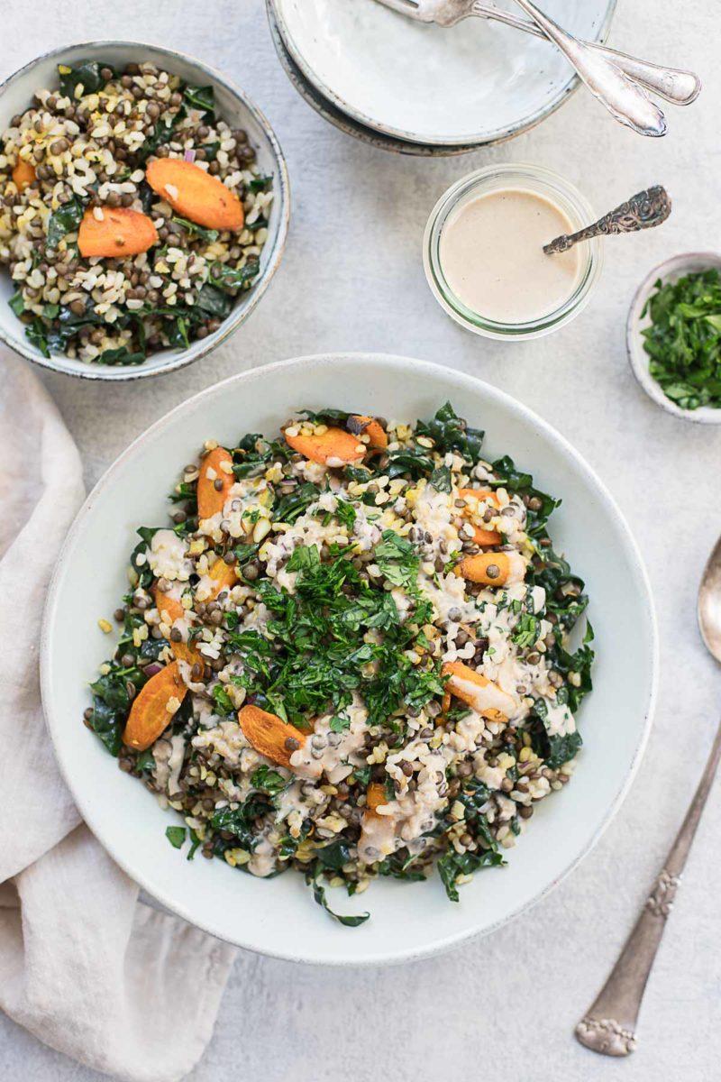 Linsen Reis Salat mit gerösteten Karotten & Tahini-Dressing Rezept, vegan, vegetarisch