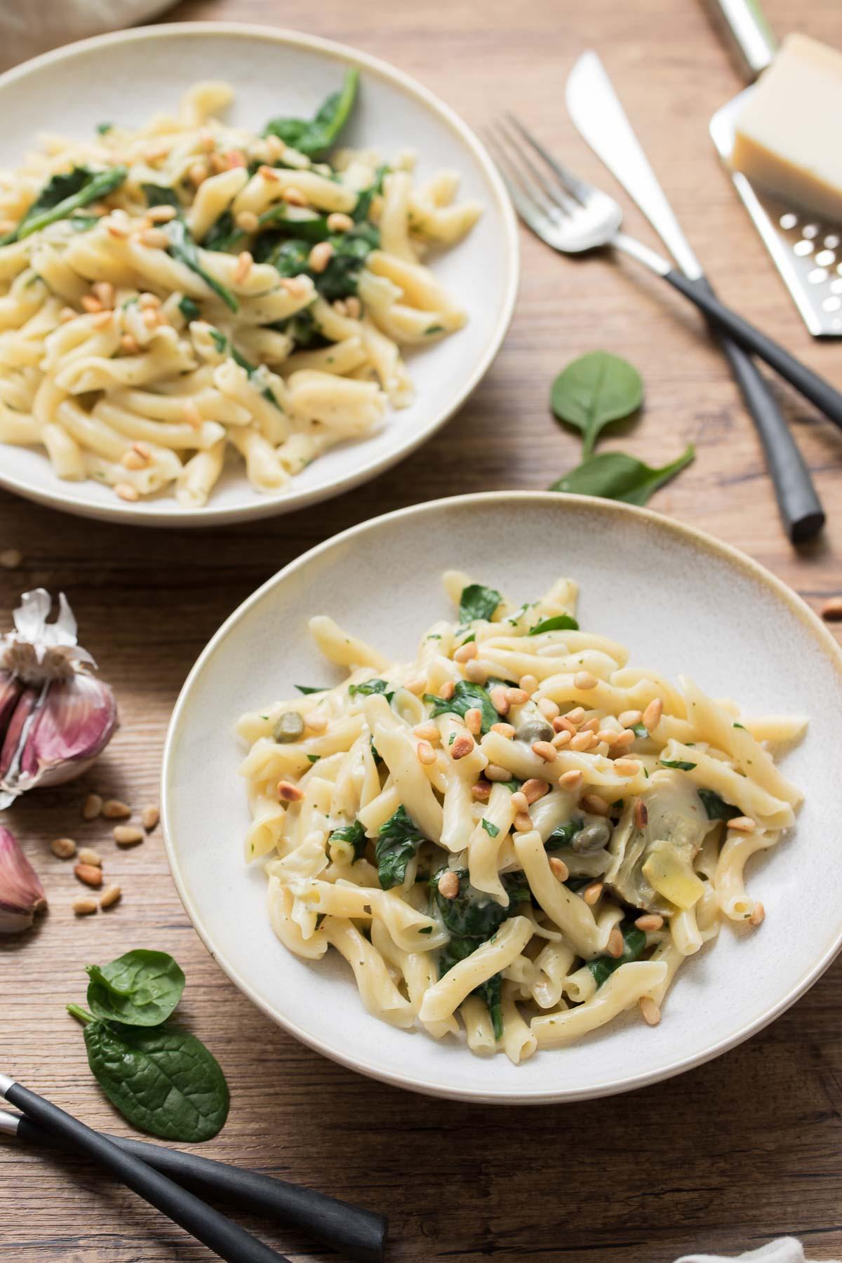 Creamy One Pot Pasta with Artichokes & Lemon