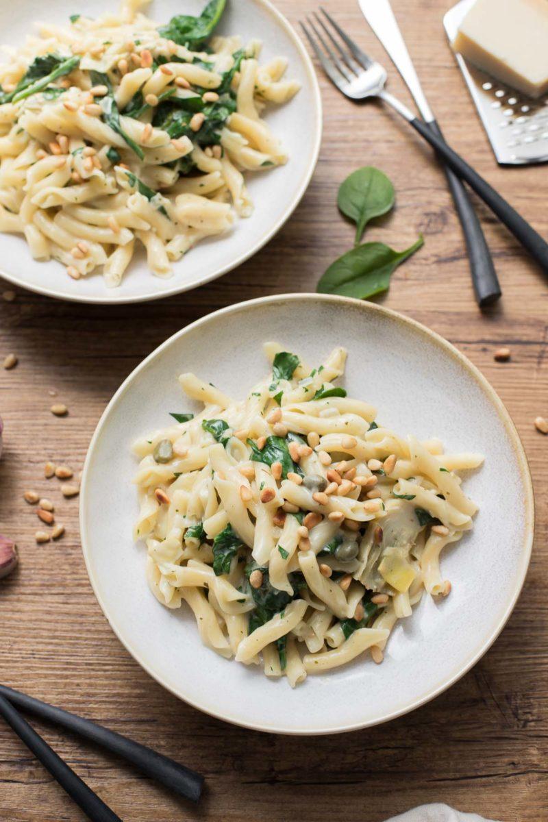 Cremige One Pot Pasta mit Artischocken und Zitrone, vegetarische Rezept
