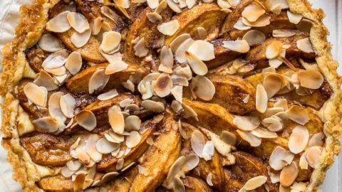 Apfel-Quark-Kuchen mit Mürbeteig-Boden | Rezept | Elle Republic