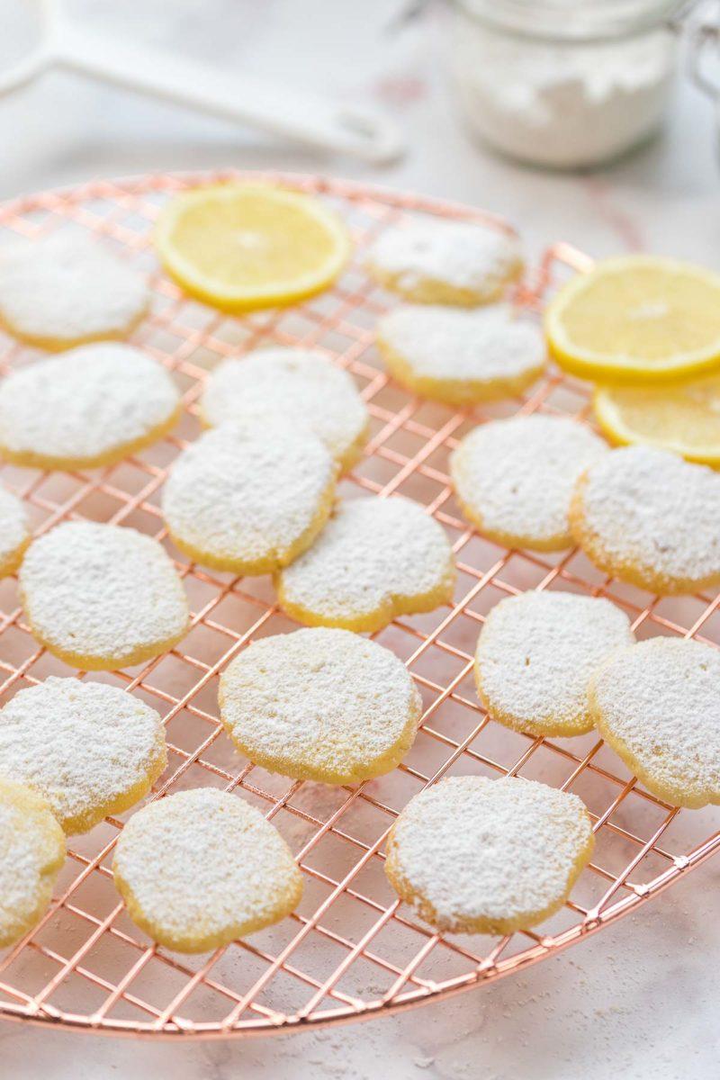 Dinkel-Butterkekse mit Zitrone (einfaches Plätzchen-Rezept)