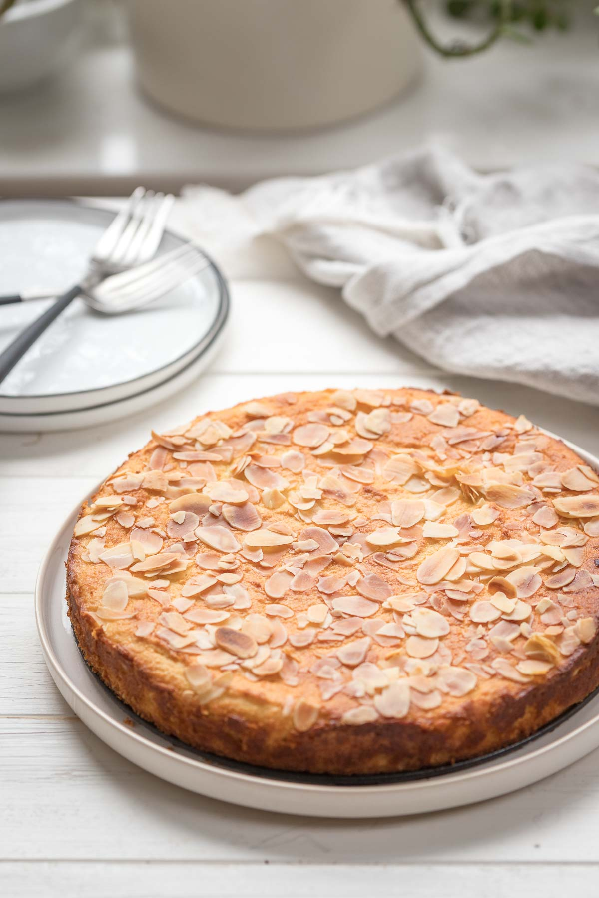 Gluten-free Almond Cake with Ricotta and Lemon