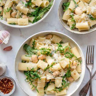 Pasta mit weißen Bohnen, Rucola und Zitrone Rezept