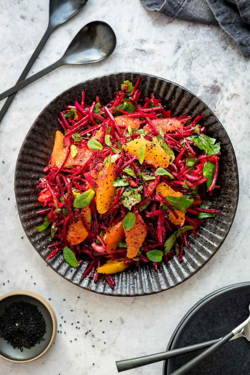 rohe Rote Bete Orangen Salat mit frischen Kräutern, vegan Rohkost Rezept