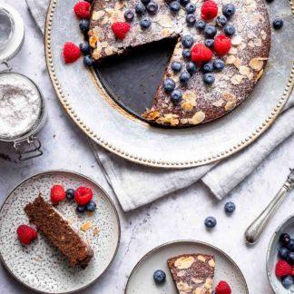 glutenfreies Schokoladenkuchen-Rezept mit Beeren