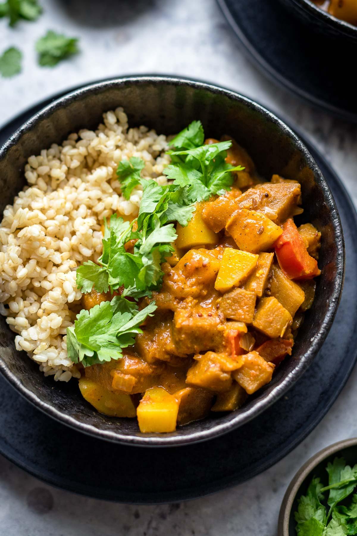 Original Indisches Curry mit Aubergine und Kartoffeln