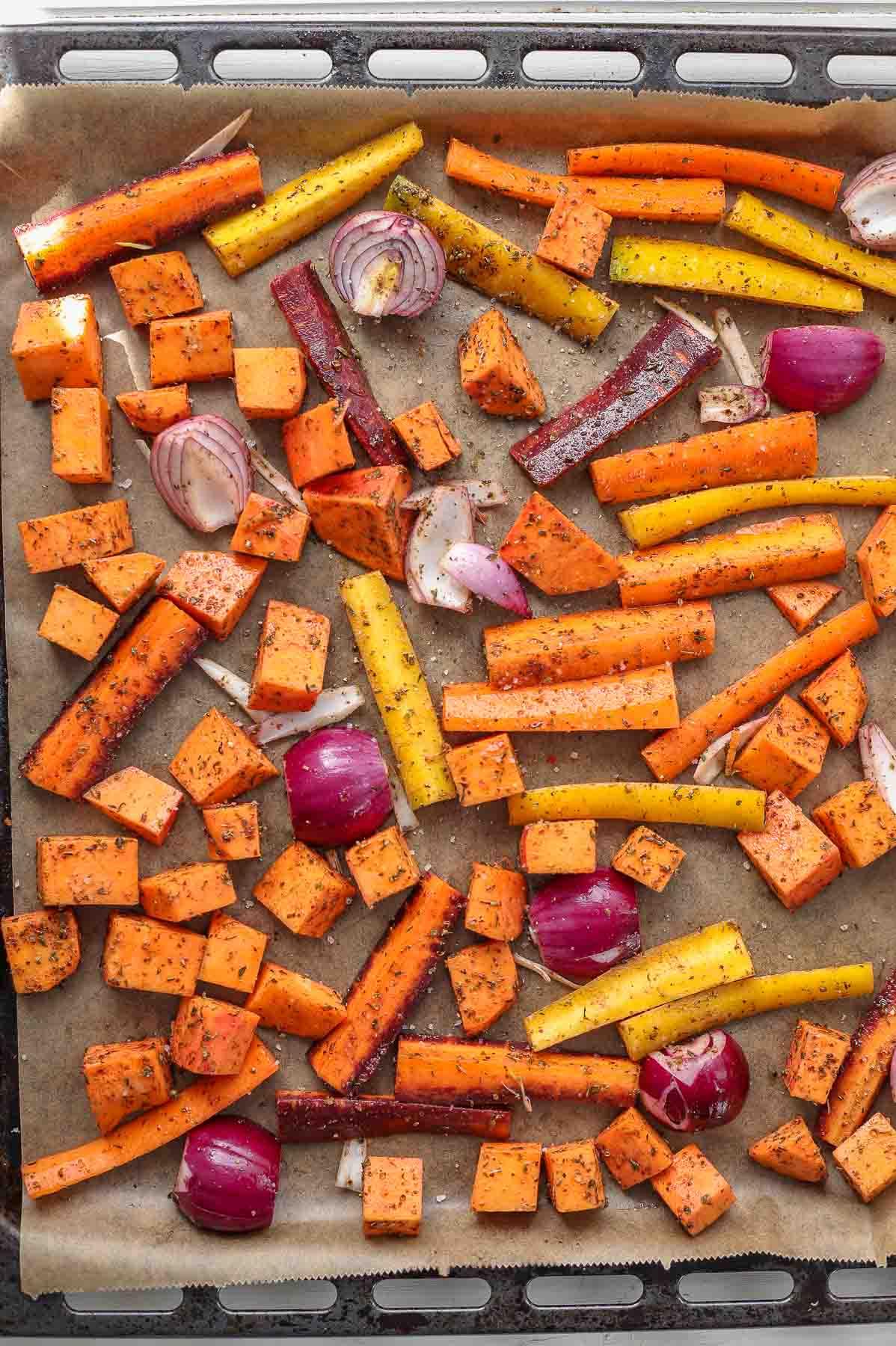 Zatar gewürzte Gemüse, Süßkartoffel, Karotten, Zwiebeln