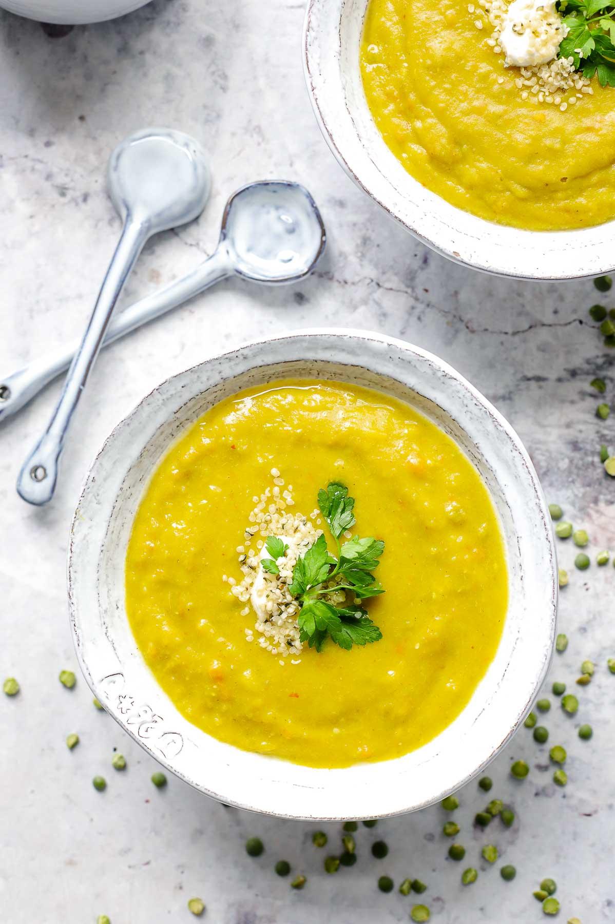 Erbsensuppe mit Curry-Gewürzen Rezept, vegan und vegetarisch