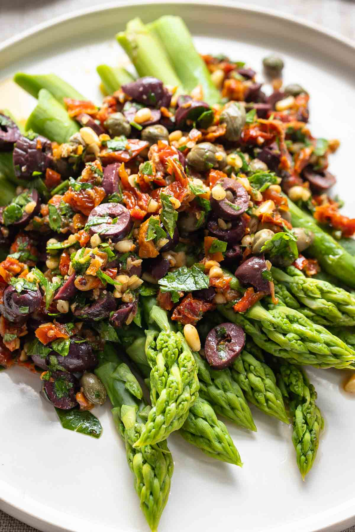 Greeen Asparagus with Mediterranean Salsa made from Sun-Dried Tomatoes, Olives & Pine Nuts