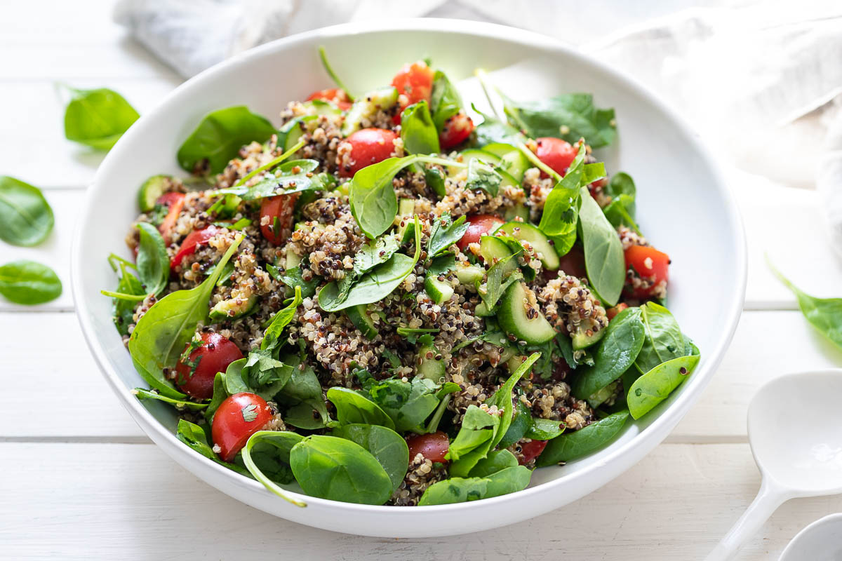 Quinoa Salad with Tomato, Cucumber and Spinach