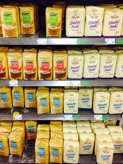 Amerikanisches Mehl und deutsches Mehl im Vergleich