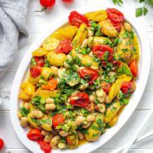 Geröstete Tomate mit Kartoffelsalat und Weiße Bohnen