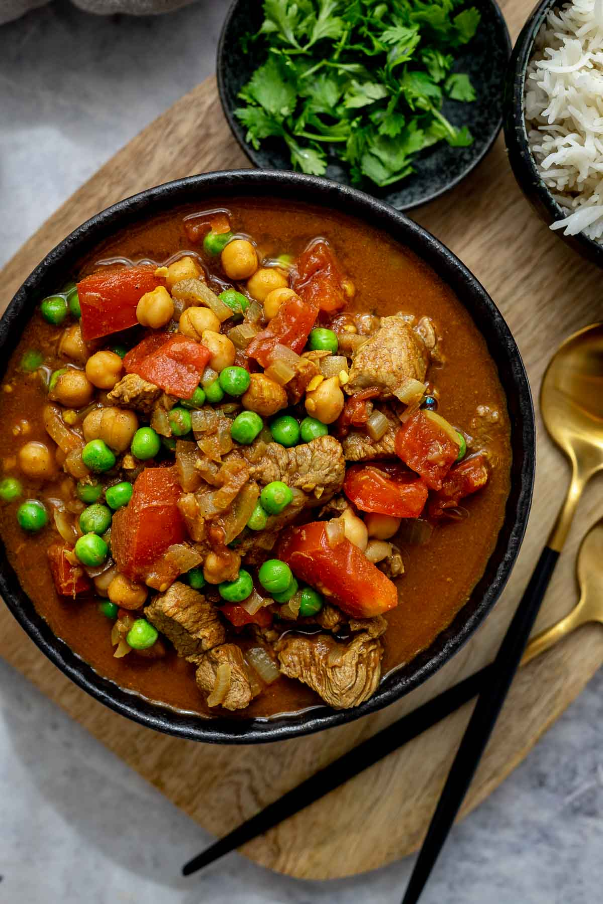 Lamm Curry mit Kichererbsen, Erbsen und Tomaten mit Basmati Reis