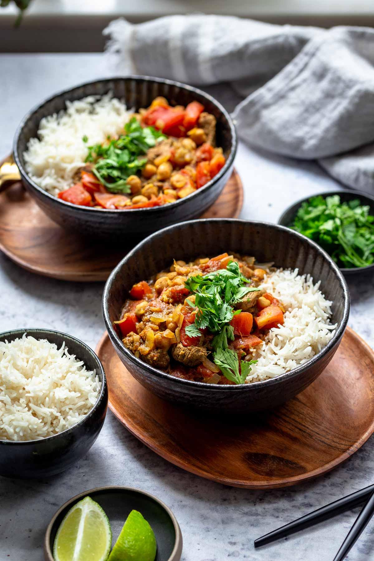 Lamm Curry mit Kichererbsen, Tomaten und Basmati Reis
