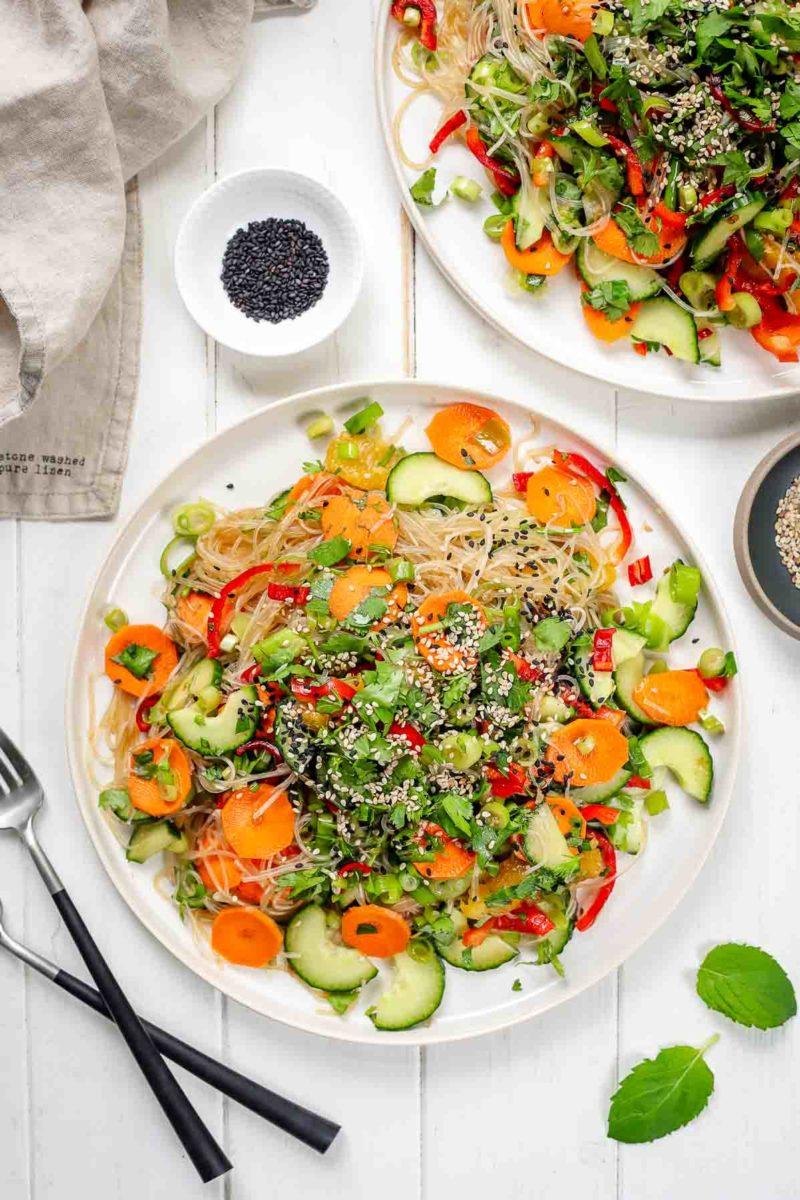 Einfacher Vermicelli Glasnudelsalat mit Gemüse
