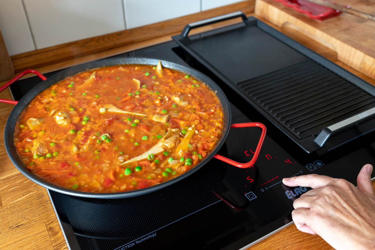 ELAG induction cooktop, cooking Paella with Prawns and Chorizo
