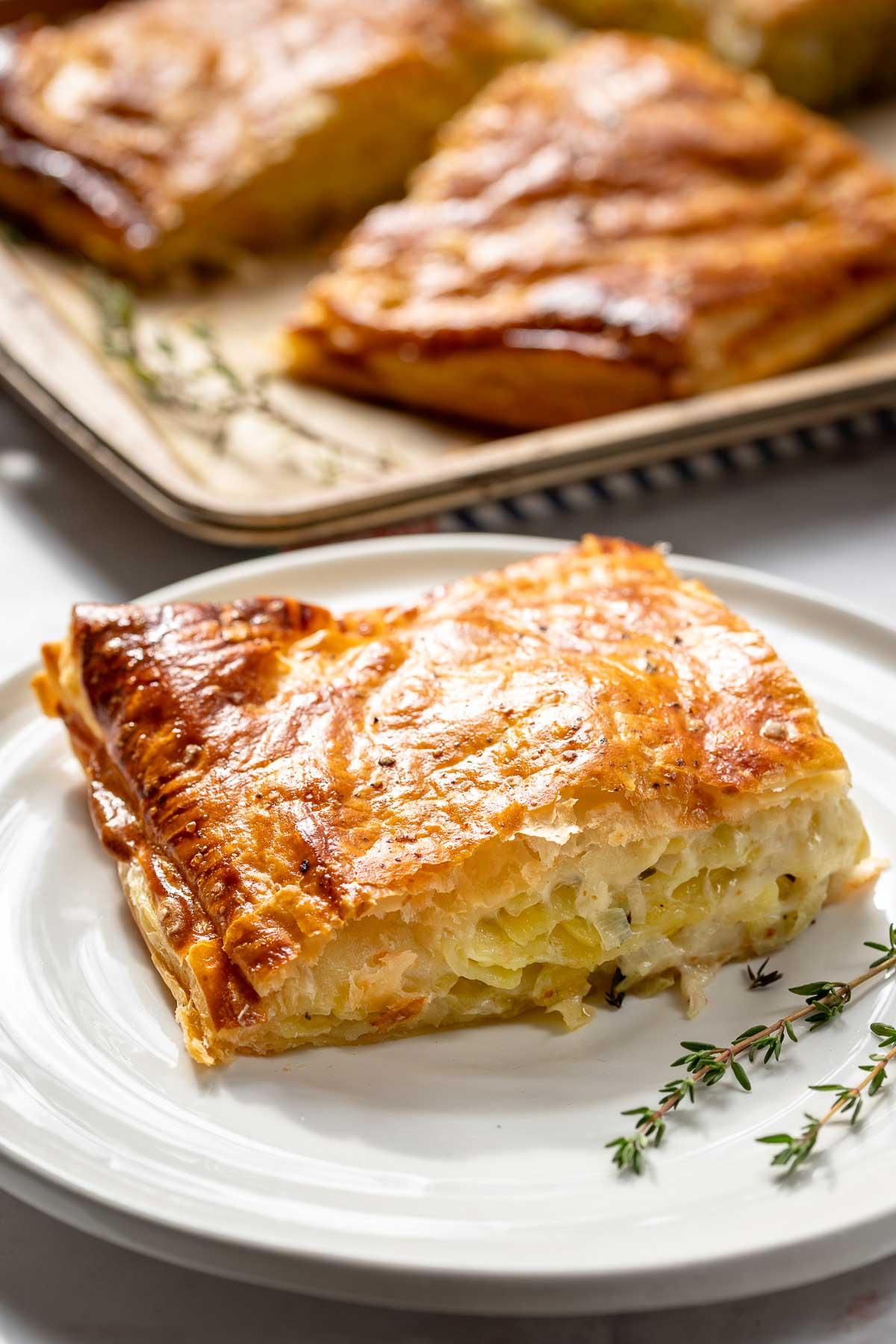 Kartoffel-Pastete mit Lauch und Gruyere-Käse (Rezept mit Blätterteig)