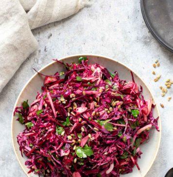Rotkohlsalat mit Birne und Cranberries