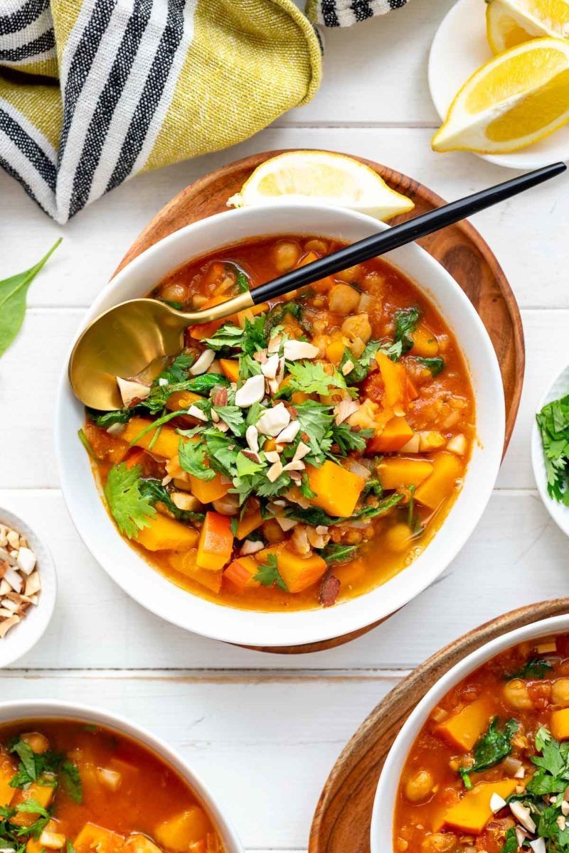 Marokkanischer Kichererbsen Eintopf mit Linsen und Kürbis (Vegan Harira Rezept)