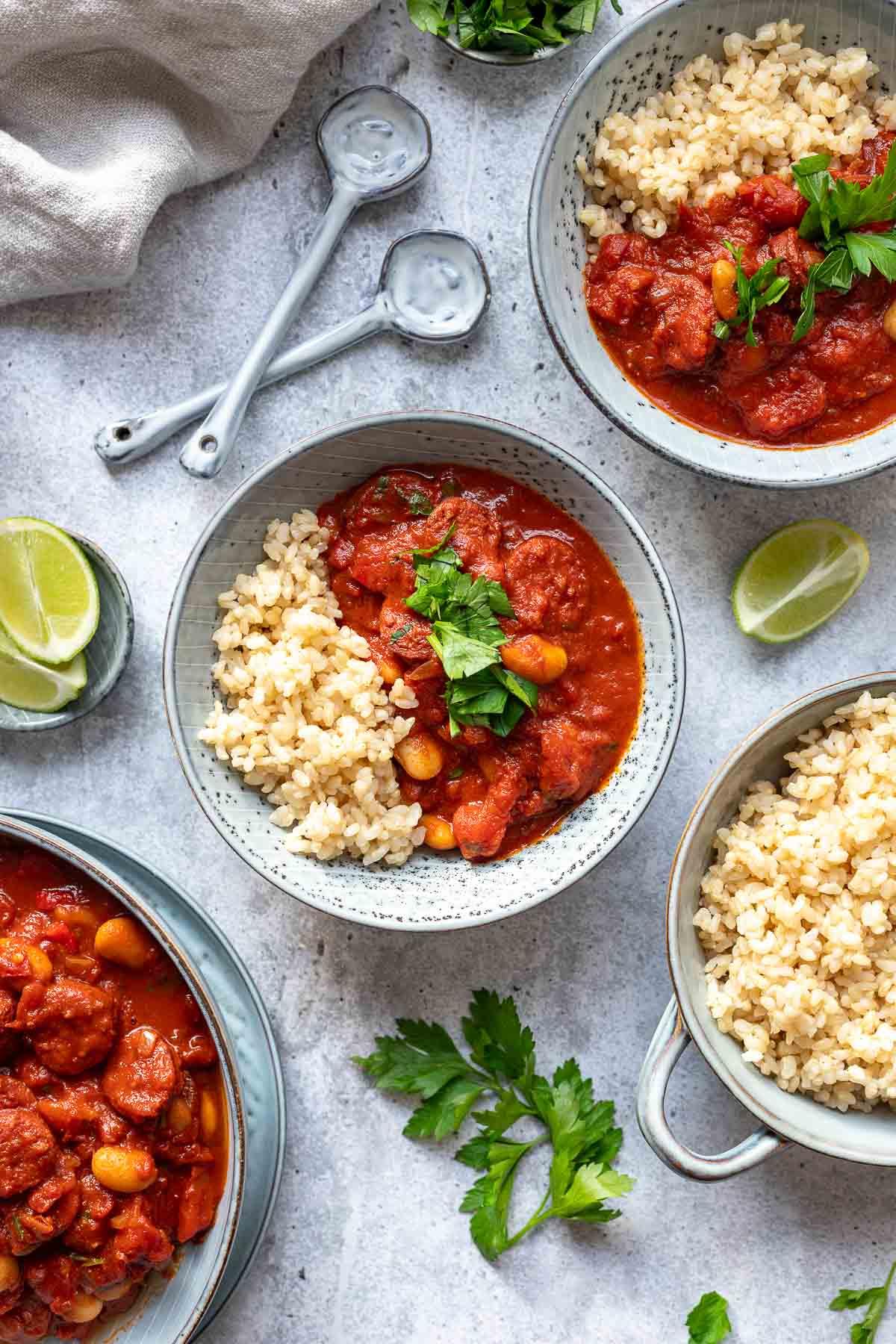 Spanischer Eintopf mit Chorizo und weißen Bohnen
