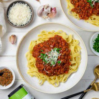 Bolognese mit Linsen und Salsiccia mit Elle Herbs Bolognese Gewürzmischung