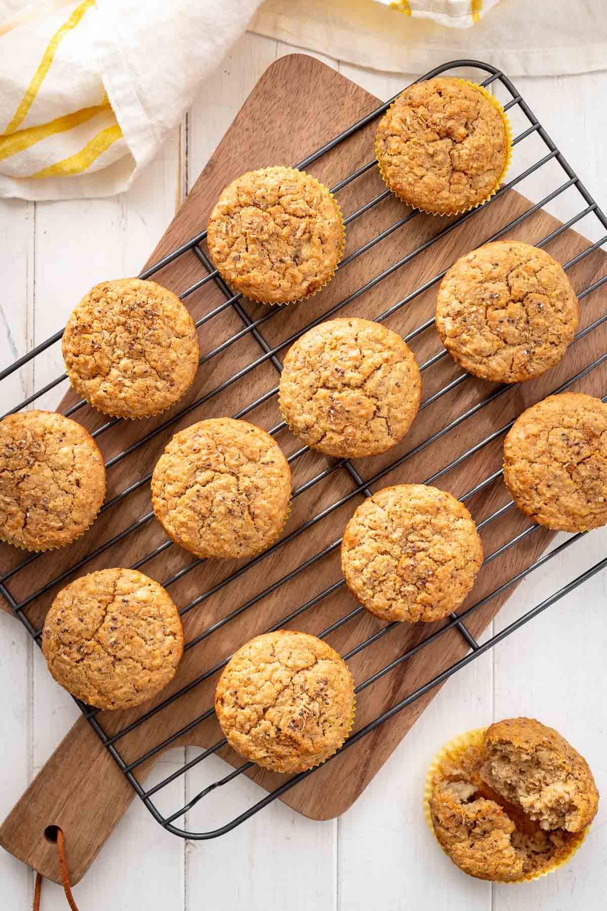 Oatmeal Muffins | Breakfast & Snack Recipe | Elle Republic
