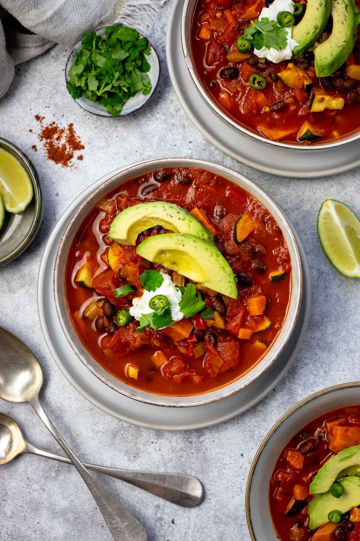 Vegetarisches Chili mit schwarzen Bohnen