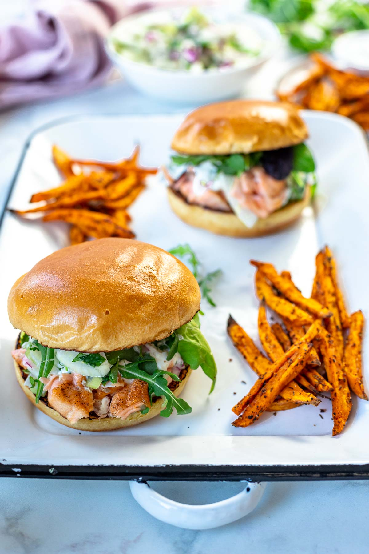 Pulled Salmon Burger with Caper-Lemon-Yoghurt Sauce