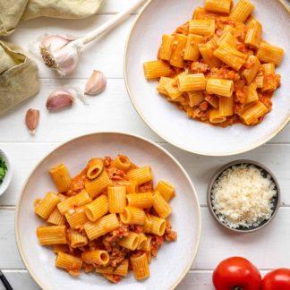 Pasta con Salsiccia (italienischer Wurst) cremiger Tomatensauce Rezept