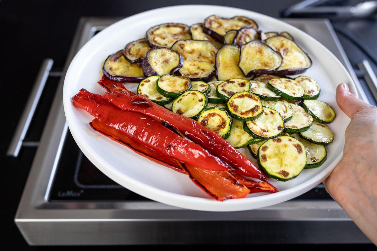 LeMax mit gegrilltem Gemüse für Grill-Gemüse Sandwich