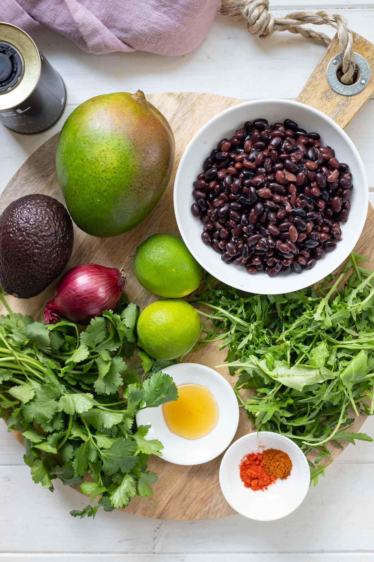 Zutaten für Text Mex Salat mit Bohnen, Mango und Avocado