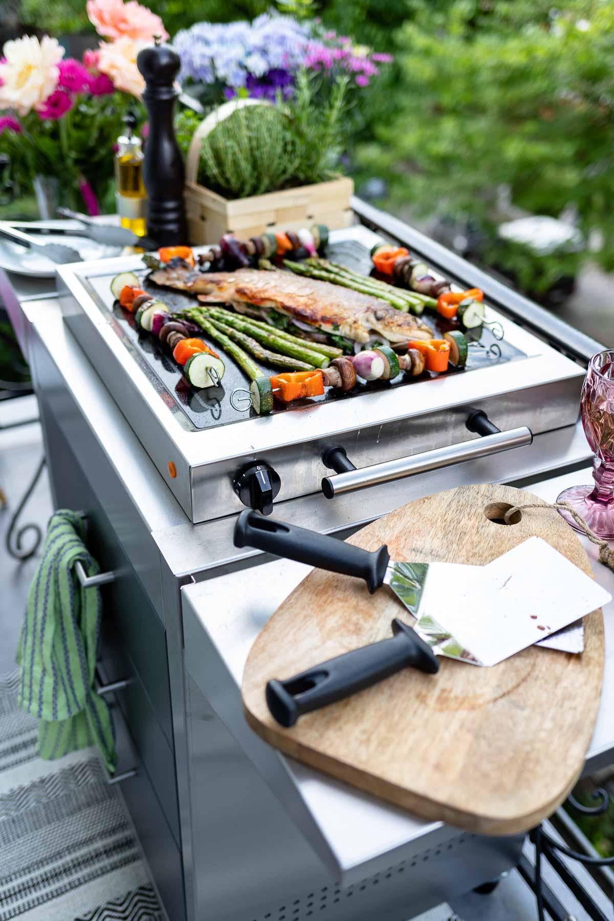 Fisch und Gemüse grillen mit den ELAG LeMax Tischgrill