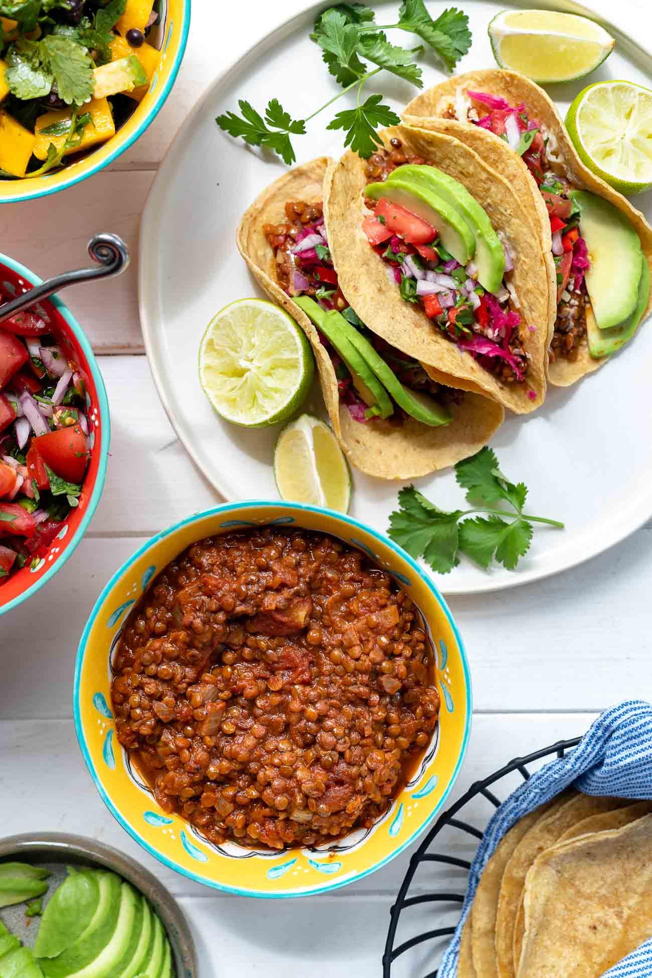 Linsen Tacos vegan mit Mais Tortillas